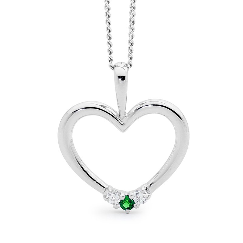 Romantic Silver Heart Pendant with Emerald