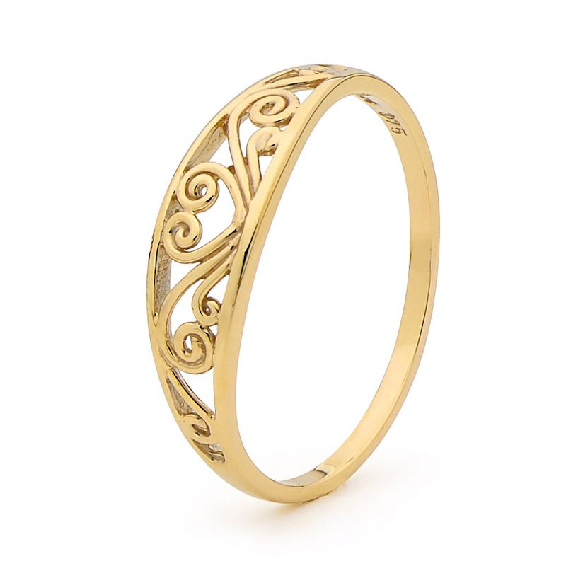 Gold Filigree Ring with heart