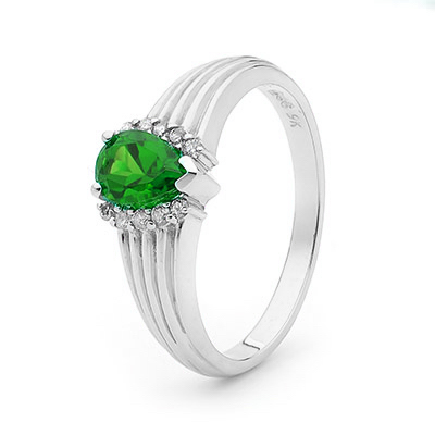 Teardrop Emerald Ring in White Gold with Diamonds