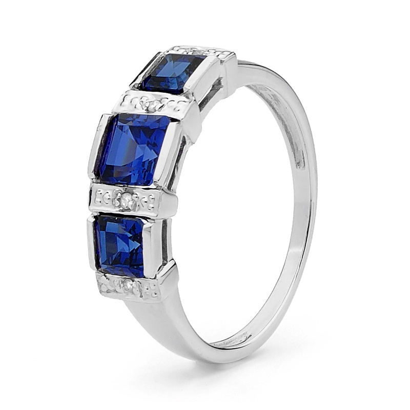 Sapphire Ring - White Gold -With Diamonds