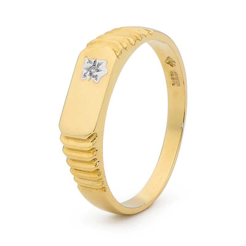 Gold Men's Dress Ring with Diamond