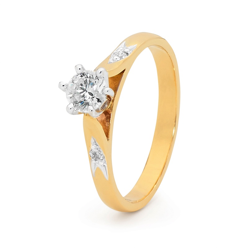 Engagement Ring - 0.40 Carat - Classic Shoulder Stone